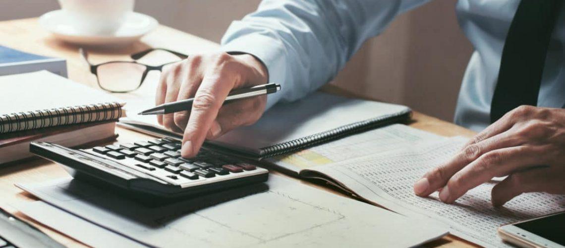 choosing-certified-public-accountant-1068x713-1